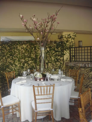 Image: Table prepared for a wedding event at Hotel Escalante in Naples, FL