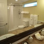 Image: Lanai bathroom #1, Hotel Escalante, Naples FL