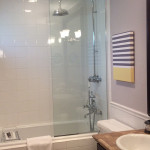 Image: Traditional room bathroom, Hotel Escalante, Naples FL
