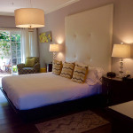 Image: Traditional room bedroom, Hotel Escalante, Naples FL